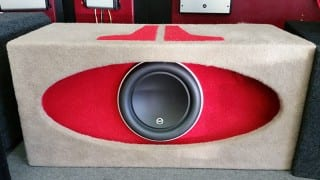 2nd Chance Consignment: JL audio 10w7 in a high output JL Audio box, custom carpeted by Sounds Good To Me in Tempe, AZ. Make us an offer and it could be yours!